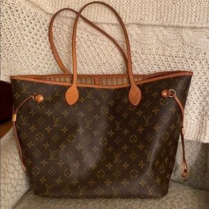 Louis Vuitton Neverfull MM with tan organizer